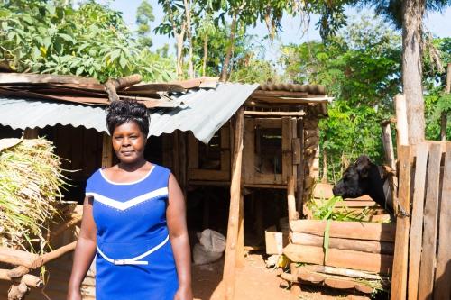 Lea: veterinarian, knowledge about breeding animals saved her life, Kenya 2017