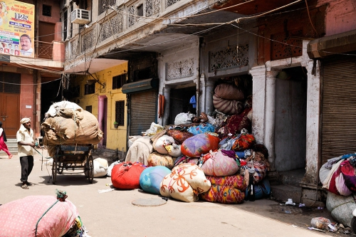 Even the laundry bags in India al colourfull (India, 2016)